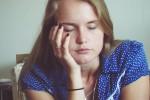 【眠い…】睡魔に負けず目パッチリ!勉強するときの眠気解消法!